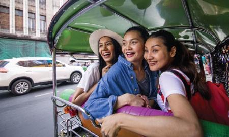 Menilik Destinasi Traveling Khusus Wanita di Berbagai Belahan Dunia