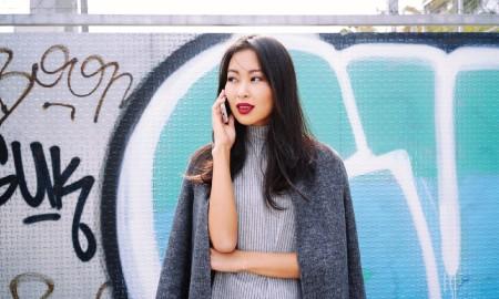 5 Inspirasi Office Sweater Look yang Bikin Semangat di Hari Senin