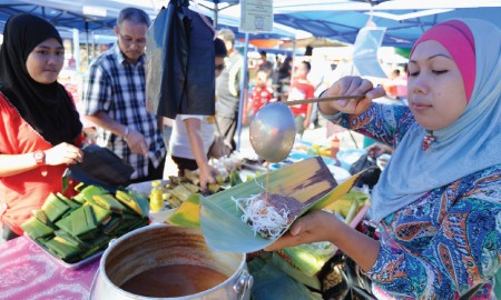 5 Pasar Incaran Foodies di Jabodetabek, #BeraniCoba?