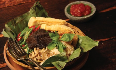 Kurang Sip Jelajah Surabaya Tanpa Cicipi Kuliner Nasi Babatnya, #MasaGakMau?