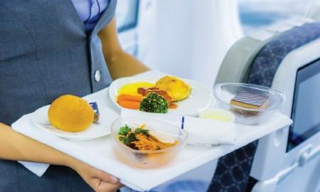 Alasan Ilmiah Kenapa Rasa Makanan di Pesawat Terasa Berbeda, Ngerasain Juga?
