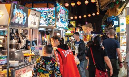 Travelling #PilihYangBeda, Jelajah Night Market Paling Populer di Dunia Aja