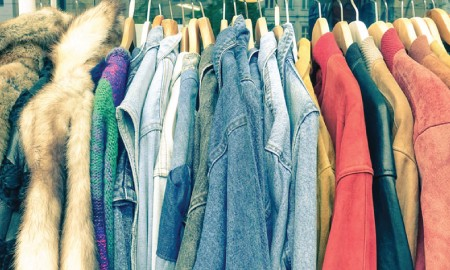 5 Hal yang Harus Kamu Perhatikan saat Membeli Baju Preloved