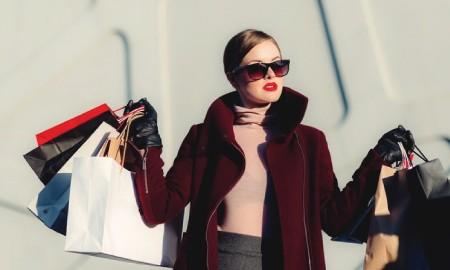 Siapa Saja Sih Fashion Stylist Di Balik Penampilan Keren para Selebritis Indonesia?