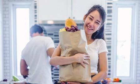 Tips Belanja Anti Boros Untuk Pengantin Baru