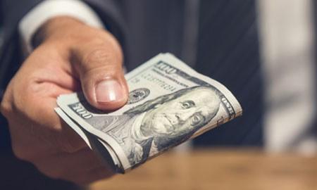 Alasan-Alasan Mengapa Sebaiknya Kamu Tidak Meminjam Uang di Pinjaman Online