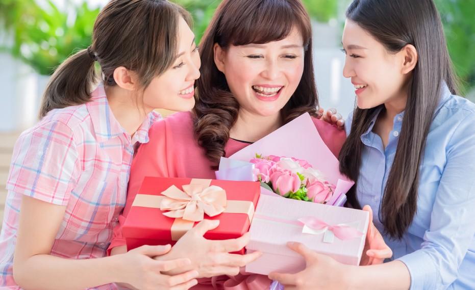 Kasih hadiah apa ya untuk Hari Orang Tua, 8 Mei ini?